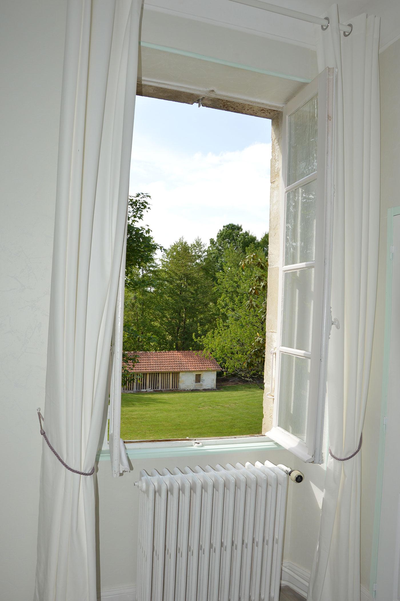 Vue depuis la fenêtre Chambre Fins Bois