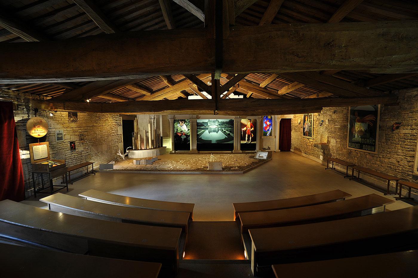 Amphithéâtre à l'Ecomusée du Cognac