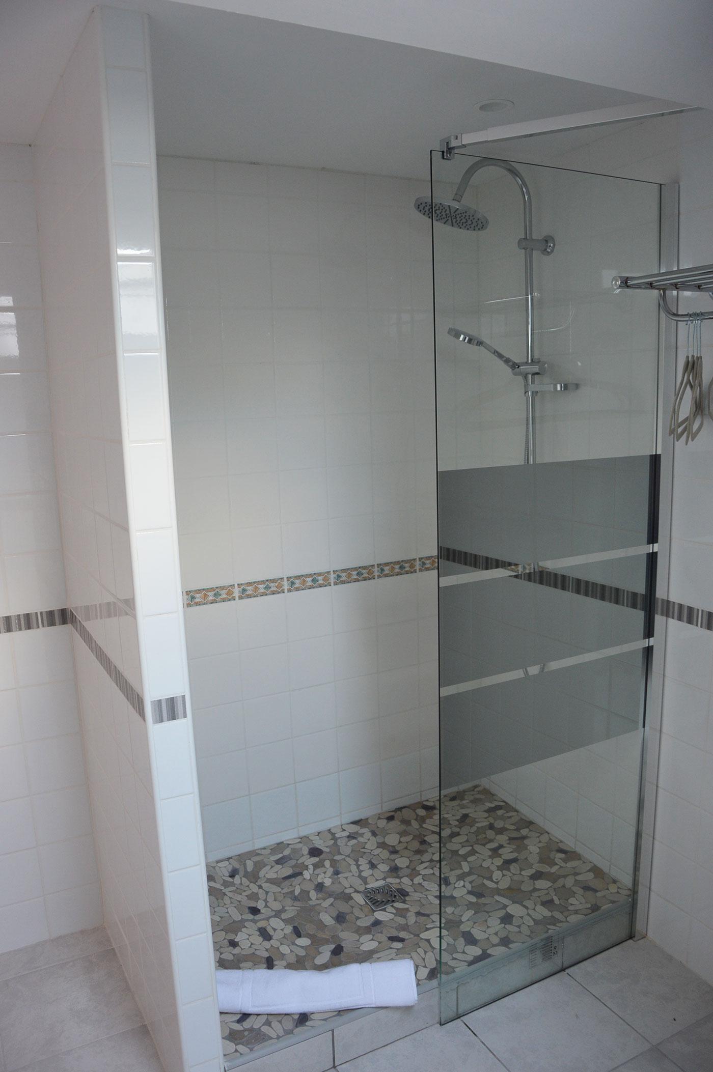 Salle d'eau Chambre Borderies