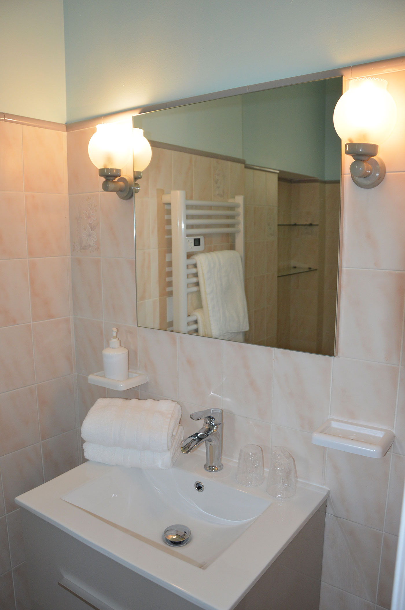 Bons Bois Bathroom