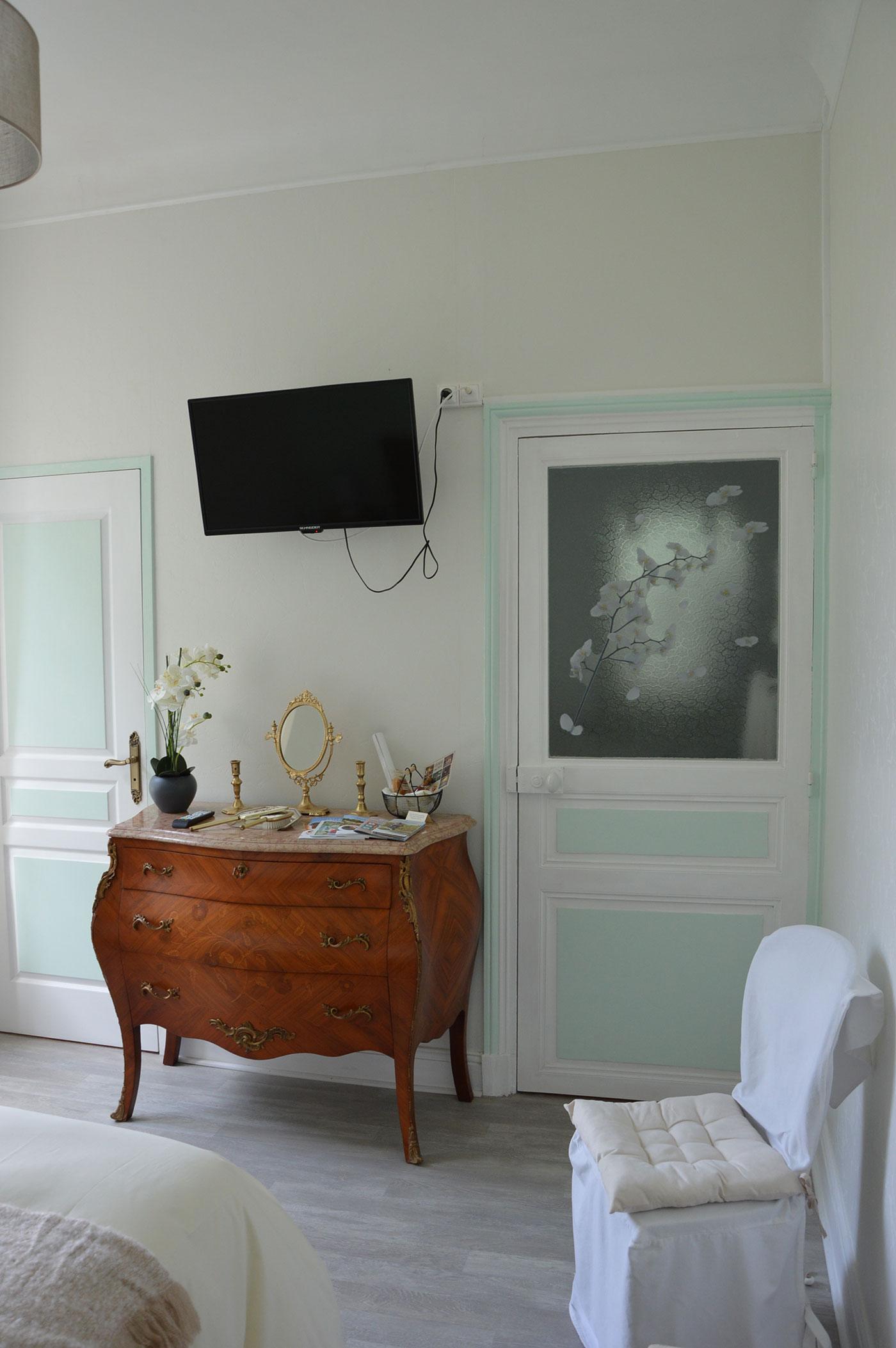Fins Bois room